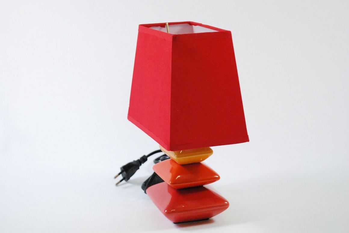 kleine moderne tischlampe nachttischlampe keramik stoffschirm. Black Bedroom Furniture Sets. Home Design Ideas