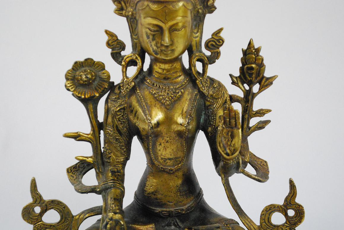 Sch ne goldene bronze skulptur g ttin tara buddha thron Antik deko shop